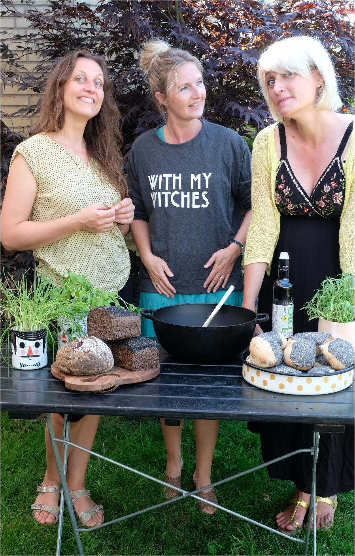 Marie Louise står sammen med Mette Marie og Kathrine fra det glutenfri H.U.G. bageri i København